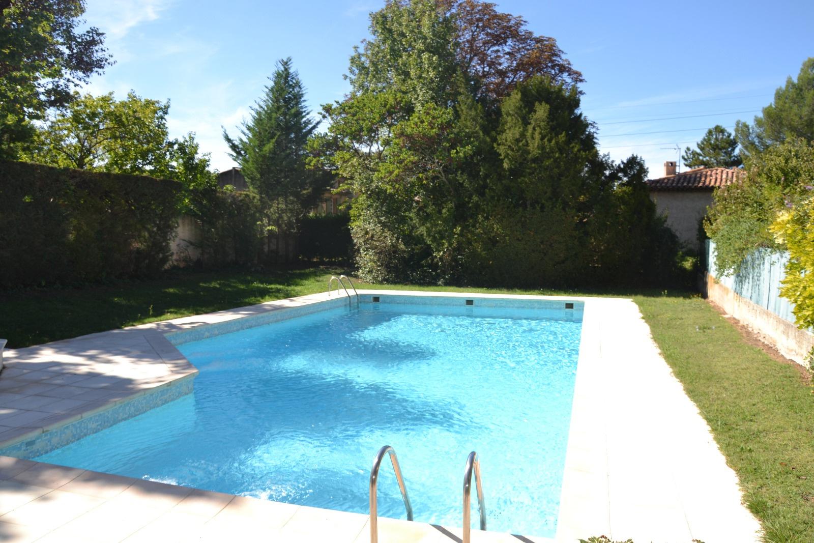 Location t2 jardinet piscine aix pont de l 39 arc - Piscine d aix en provence ...